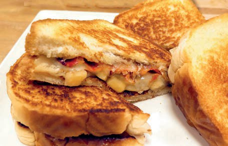Apples, Swiss Cheese and Bacon Grilled Cheese