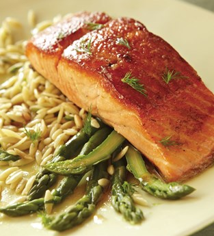 Broiled Õra King Salmon with Honey Mustard Dill Glaze, Steamed Asparagus and Orzo